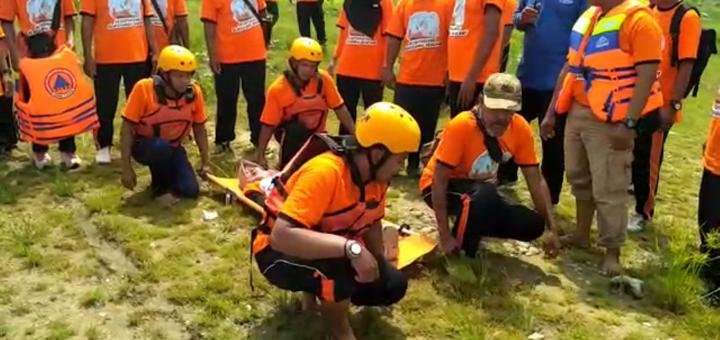 pelatihan pertolongan oleh sar