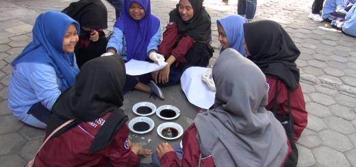 SLB-A Belajar Batik